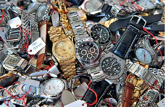 Counterfeit_Watches_confiscated_560